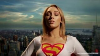 Supergirl Cosplayer Gets Fucked Hard In Threesome
