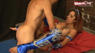 Tattooed Kitana Cosplayer Touching Herself Before Getting Fucked